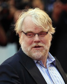 The-Master-co-stars-Joaquin-Phoenix-and-Philip-Seymour-Hoffman-meet-up-on-the-red-carpet_gallery_primary